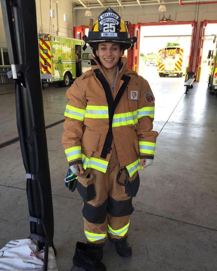 I am very proud of my niece Vivian as she works to join the ranks of the real heroes... #paramedics #firefighters.  Estoy muy orgullosa de mi sobrina Vivian quien se esta esmerando para lograr su carrera de #paramedico / #bombero... y alcanzar su puesto entre los verdaderos heroes de nuestra sociedad. #Miami #MiamiDade by cubanlawyer