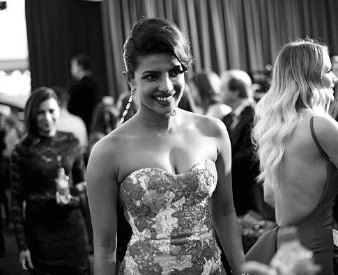 Throwback SAG Awards   @iheartpriyankachopra . . . . . . . . . . . . . . . #priyankachopra #peecee #pc #hollywood #bollywood #quantico #queenpri #queen #tb #bnw #bae #alexparrish by priyankachoprateam