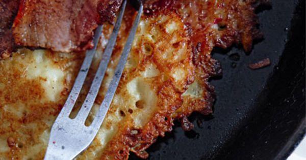 Om det står raggmunk med fläsk på menyn på ett lunchsjapp så tar jag det. Står det fläsklägg med rotmos också blir det svårt. Men oftast väljer jag raggmunkarna.