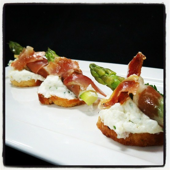 Asparagus And Proscuitto Crostini Tapas