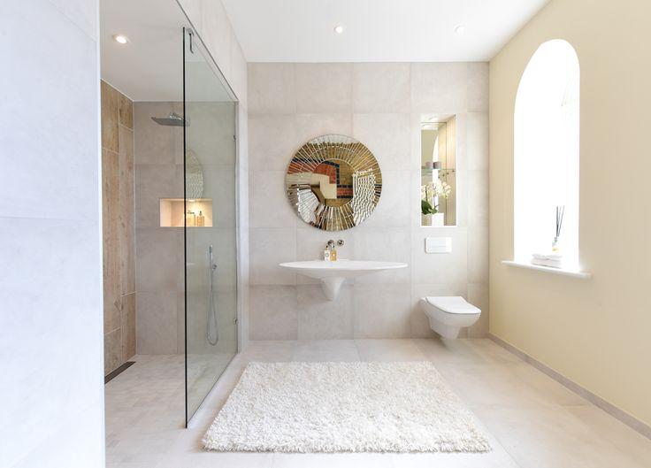 Minoli Tiles - The Chapel - Dreamwell White Matt 60/60 cm + Axis Golden Oak 25/150 cm. https://www.minoli.co.uk/tiles/dreamwell-white/ - https://www.minoli.co.uk/tiles/axis-golden-oak/