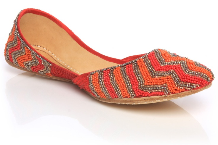 Pretty design of Women Khussa Shoe! go here for more info:   http://www.unze.co.uk/ladies-indian-slippers-khussa-shoes.html