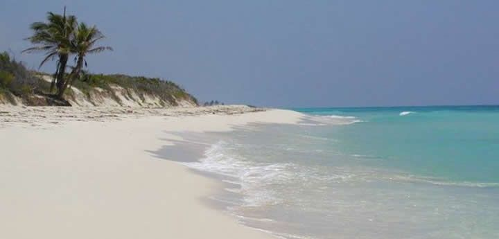 Sian Ka'an is a 1.3 million acre nature reserve just south of Tulum beach in the Mayan Riviera of Mexico. Tours, vacation rentals and information