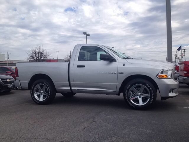 Certified Used 2012 Ram 1500 Express,NEW TIRES,HEMI,TOWING