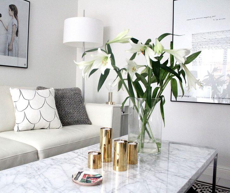 Vasen med blommor