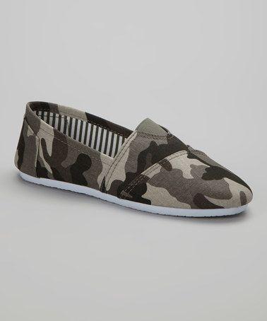 Ositos Shoes Gray Camo Tammy Slip-On Sneaker