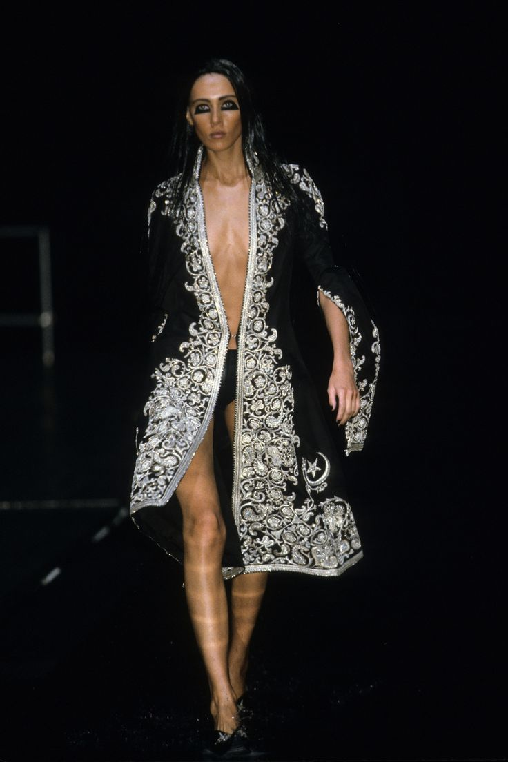 651 best images about alexadre macqueen on pinterest for Mac alexander mcqueen