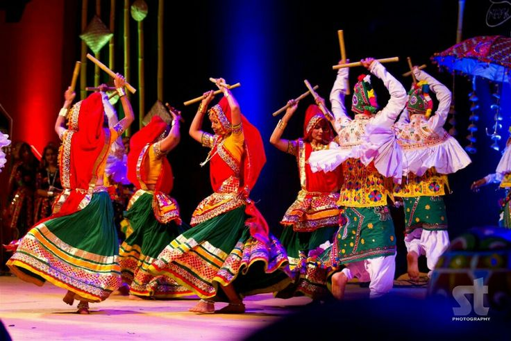 Dandiya: Most popular folk dances from Gujarat