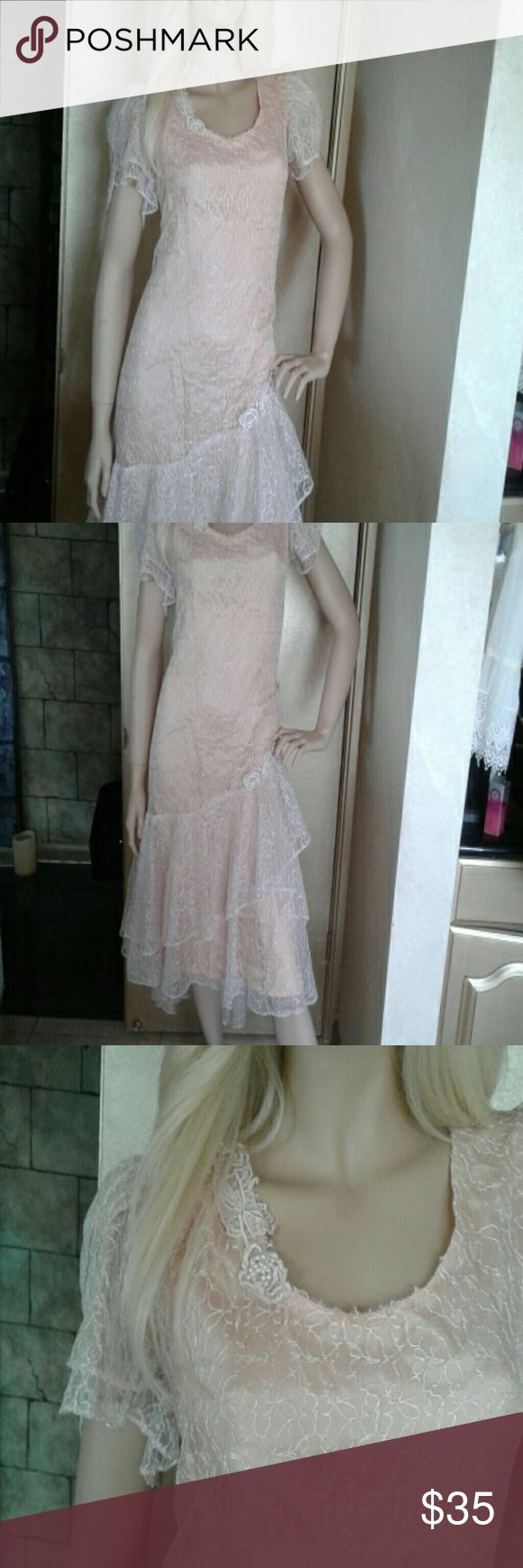 Vintage style very feminine Peach lace dress Beautiful and feminine lace cap sleeves Dresses High Low