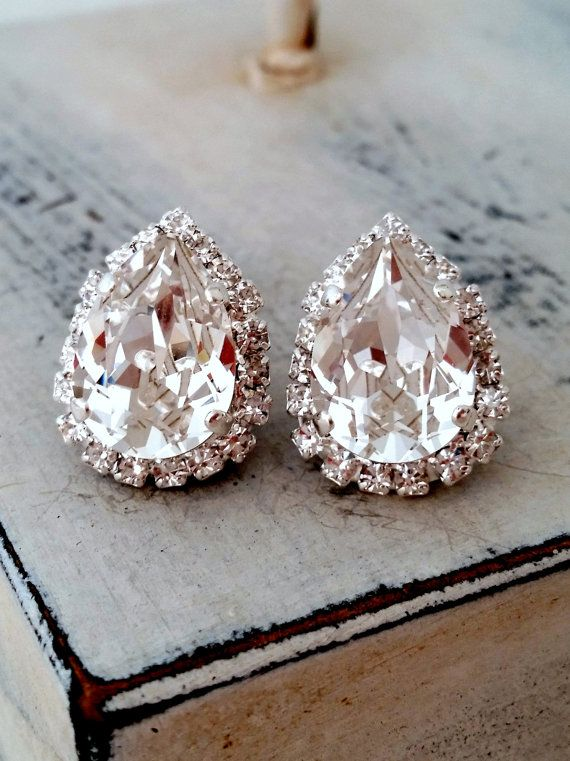 SALE Clear white Swarovski crystal stud earrings, Bridal earrings, Bridesmaids gifts, teardrop studs, Silver earrings, Vintage earrings, Est