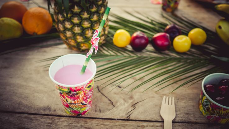 Fiesta tropical de La Tienda de Renata. Una tienda de decoración para fiestas, bodas y hogar.
