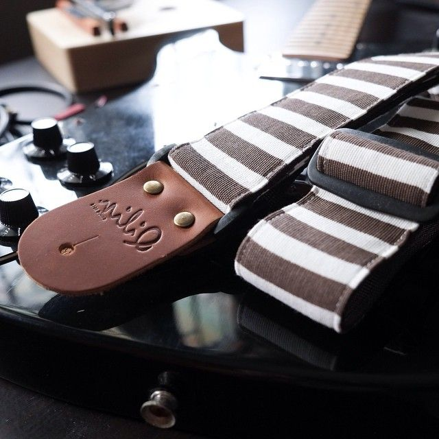 Brown Stripe - Guitar Strap Collection#Qilinlibrary #guitar #guitarist #Strap #musician #Music #acoustic #acousticguitar #Handmade #Handcraft #diy #guitar #Leather