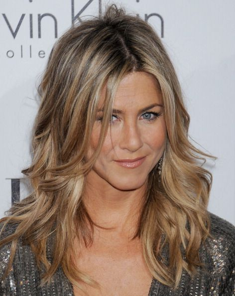 Que levante la mano quien no haya visitado una peluquería con la idea de que le hagan 'el corte&color de Jennifer'. Pocas son las que no hayan caído en la tentación de querer 'su peinado'. Desde sus años de 'Rachel' en la serie 'Friends' la actriz cuenta con la melena más ...