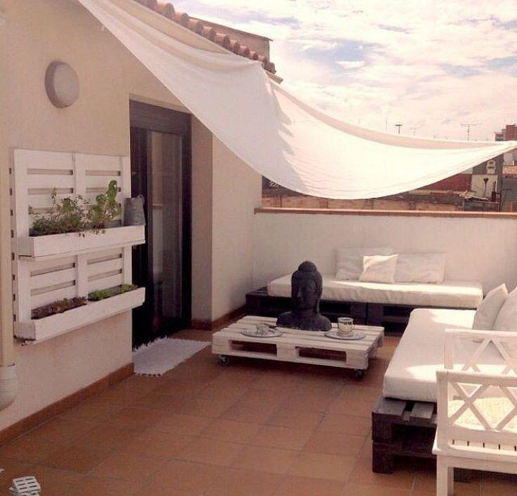 palet yataklarla düzenlenen oda dizaynları - Google Search
