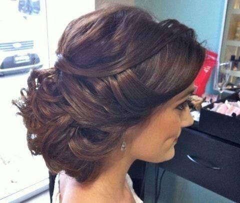 opgestoken trouw kapsel bruin haar krullen wedding updo brown hair elegant