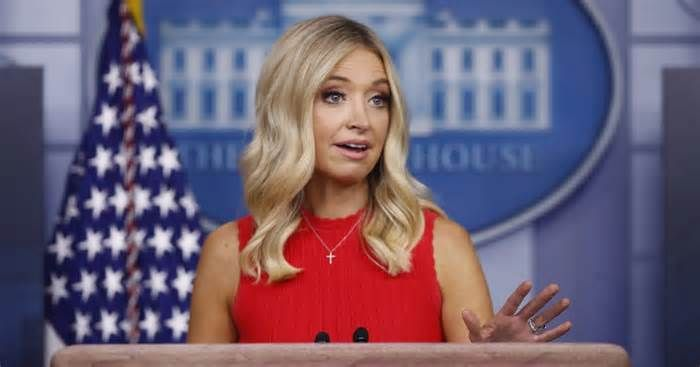 Kayleigh Mcenany Slams Cnn S Ideological Agenda During Heated Exchange With Acosta Over Trump Toddler Meme W In 2020 Toddler Meme Tank Top Fashion Kayleigh Mcenany