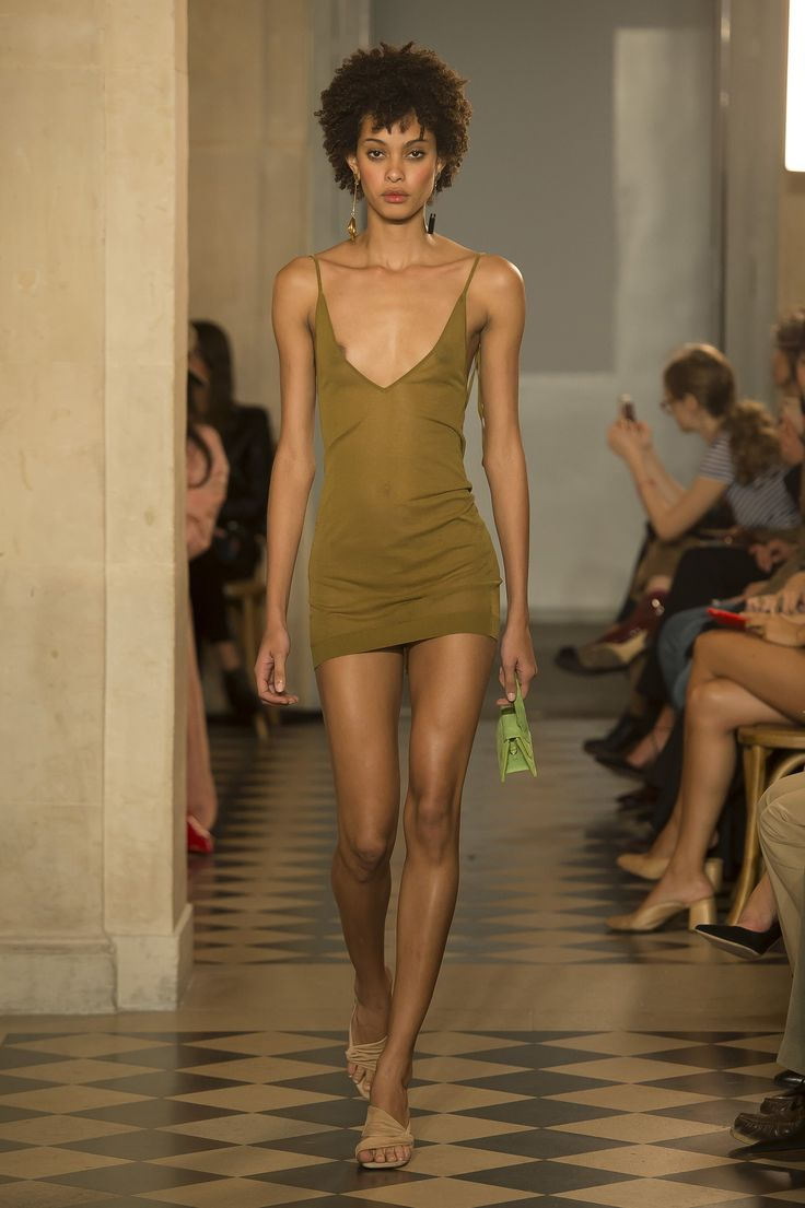 Jacquemus Spring 2018 Ready-to-Wear  Fashion Show - Samile Bermannelli
