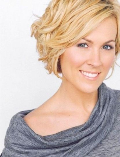 Trendy Short Wavy Hairstyles For Round Faces 2015 Women Styles ...