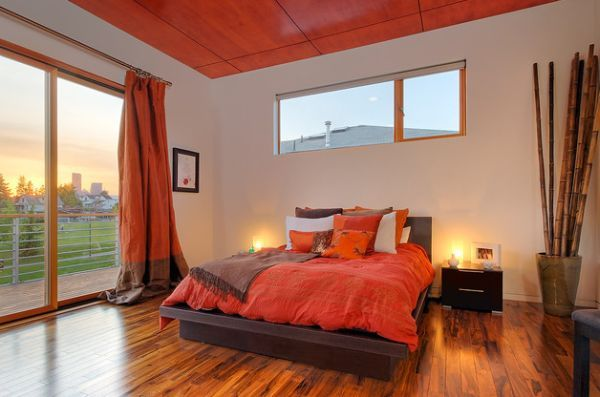 Amazing Bedroom Coloring Ideas: Ceiling Complements The Lovely Decor In This Brown And Orange Bedroom
