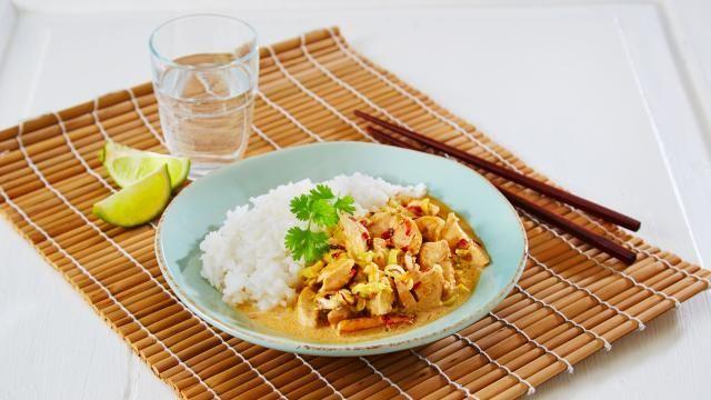Oppskrift på Thailandsk kyllinggryte - Tom Kah Gai