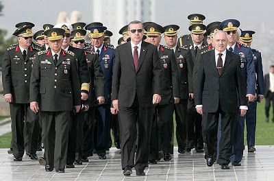 Military vs Erdogan : Turkey's night of chaos loyalty