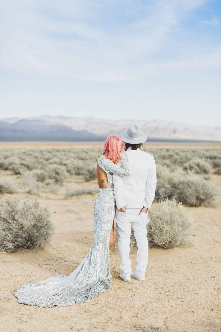 Epic Las Vegas Elopement: Ainsley & Sebastien  // Beautiful Elope Small Intimate Wedding Ideas and Inspiration