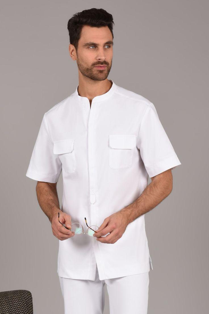 Tunique Saharienne Blanche Tunique très légère pour homme avec deux poches poitrines et une poche plaquée.