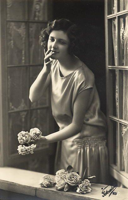 Vintage Ladies Cabinet Cards (56)from vintageimages.org