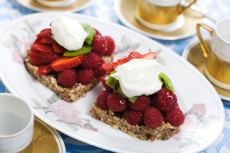 Frukt- och nötbakelse | Recept.nu