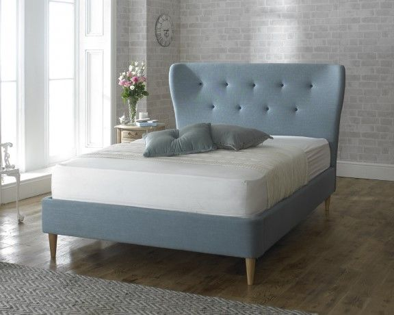 Retro bed - perfect twist for our 60s home