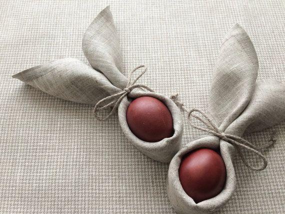 Satz von 6 klassische leichte Leinenservietten. Aus Sackleinen Leinen hergestellt, werden diese Servietten mit Gehrung Ecken perfekten Tisch servieren für Ostern oder Unterhaltung Anlässe erweisen.  * Größe: 13 x 13 (33 x 33 cm.) * leichte Haferflocken Farbe Stoff gemischt weiß und Leinen Farbe Threads. * reinem Leinen Maschine waschen im Wasser bis zu 60°. Wäschetrockner zu trocknen, wird nicht empfohlen. * Eisen bis der Stoff ein bisschen nass. * bleichen Sie nicht mit Chlor.  Die Farben…