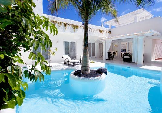 A luxurious villa with your own private pool and Jacuzzi on the beautiful island of Fuerteventura