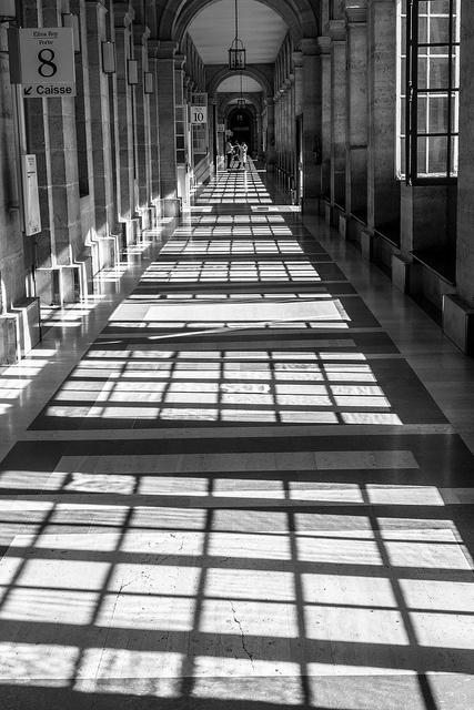 Fenêtres de Lariboisiere a la perspective déstructurée (renversant) - Paris | Flickr: partage de photos!