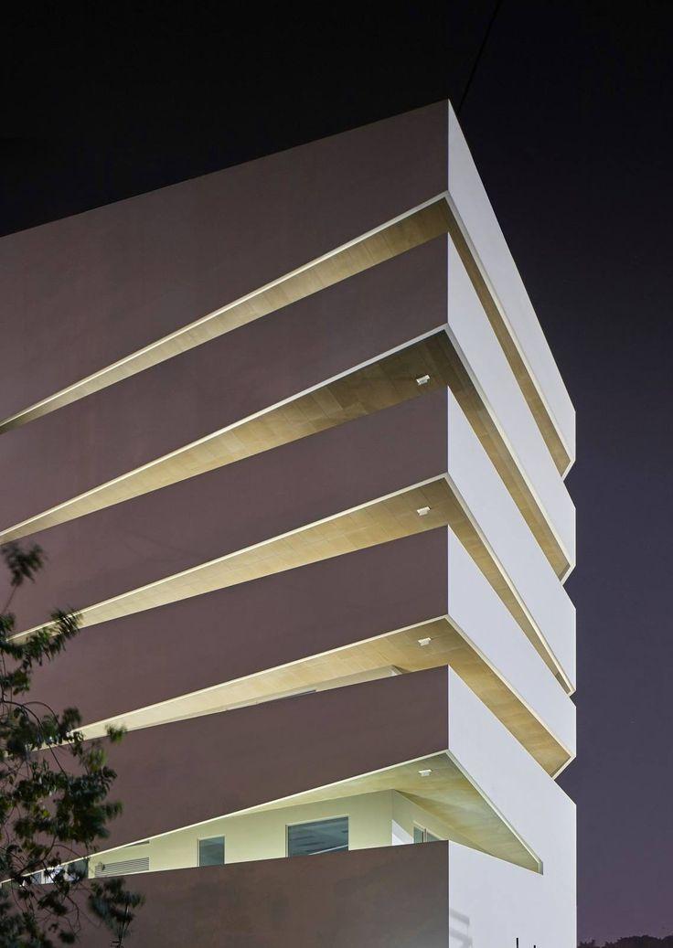 Sapiens Building / Costalopes