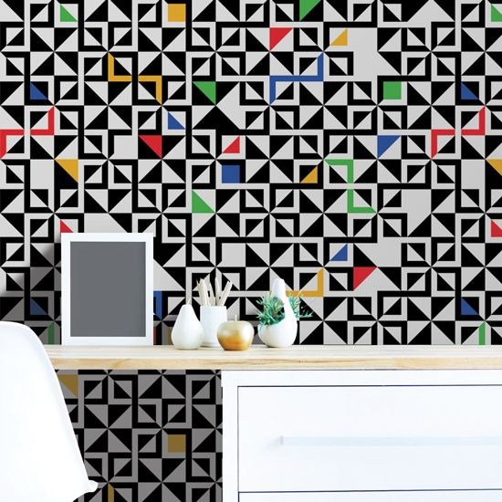 Πολύχρωμη εσωτερική διακόσμηση και η μοντέρνα τάση της γεωμετρίας συνδυασμένα σε μια ταπετσαρία τοίχου! #γεωμετρικέςταπετσαρίες #geometricwallspaper #ταπετσαρίατοίχου #πολύχρωμηταπετσαρία