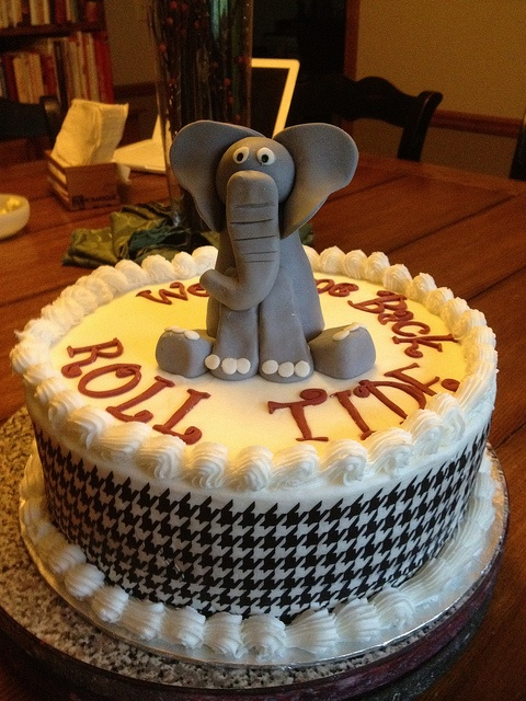 University of Alabama Cake add happy birthday  love the elephant and change houndstooth to ribbon accent for ease