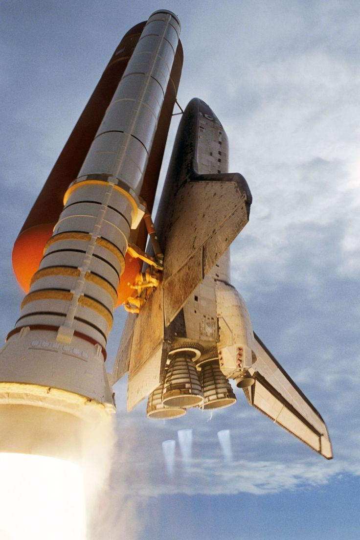 """humanoidhistory: """" October 23, 2007 – The Space Shuttle Discovery blasts off from Cape Canaveral on a 14-day mission to the International Space Station. (NASA) """""""