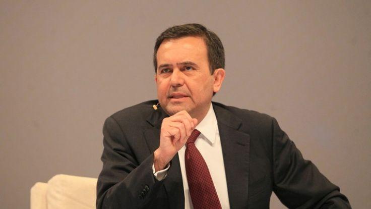 Los dos lados de la moneda en cuestión a las reformas estructurales. COPARMEX e Ildefonso Guajardo Villarreal, el nuevo Secretario de Economía de México, hablan de estos cambios políticos.