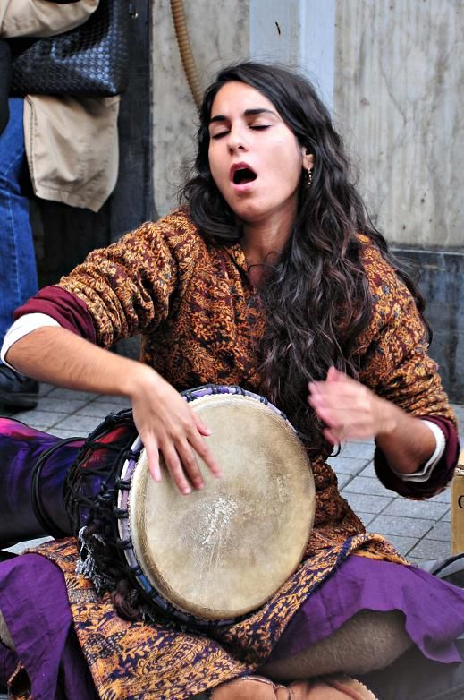 Busker in Istanbul: http://www.europealacarte.co.uk/blog/2011/03/08/things-to-do-istanbul/