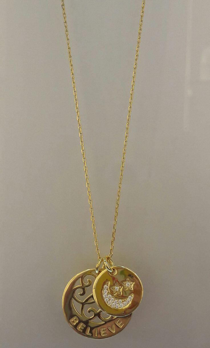 """Precioso colgante de Plata con baño de Oro de 18K con 2 círculos con motivos de luna y estrella """"Believe"""", no dejes pasar la oportunidad de lucir hermosa con nuestras piezas!! #joyeria #jewelry #plata #bañodeoro #beautiful"""
