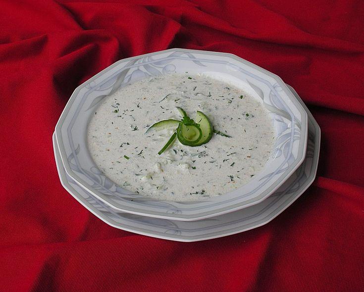 Bulgarische Gurkensuppe, ein leckeres Rezept aus der Kategorie Spezial. Bewertungen: 43. Durchschnitt: Ø 4,4.