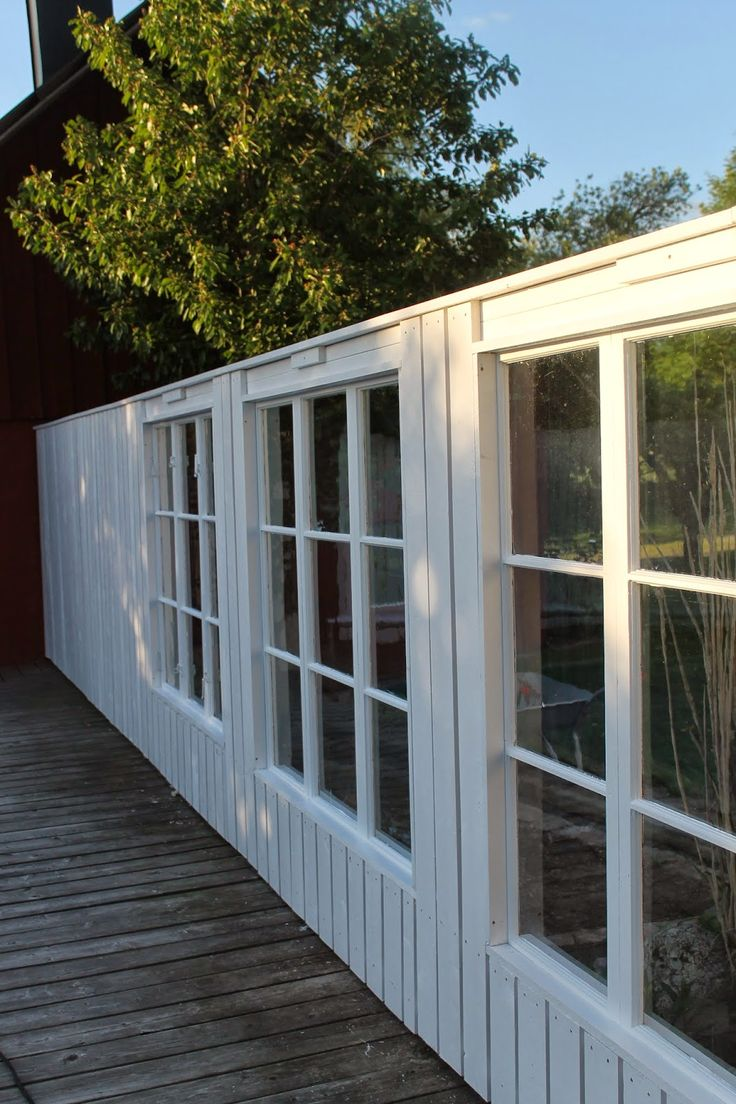 Inredning lägga trall på balkong : staket,vindskydd,smala ribbor,terrass,trädäck,trall,trallgolv ...