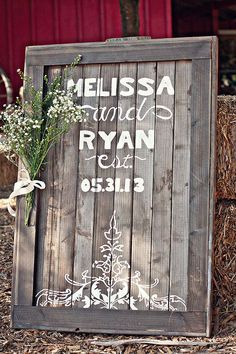 This Rustic DIY wedding sign is a perfect addition to any fall wedding!!