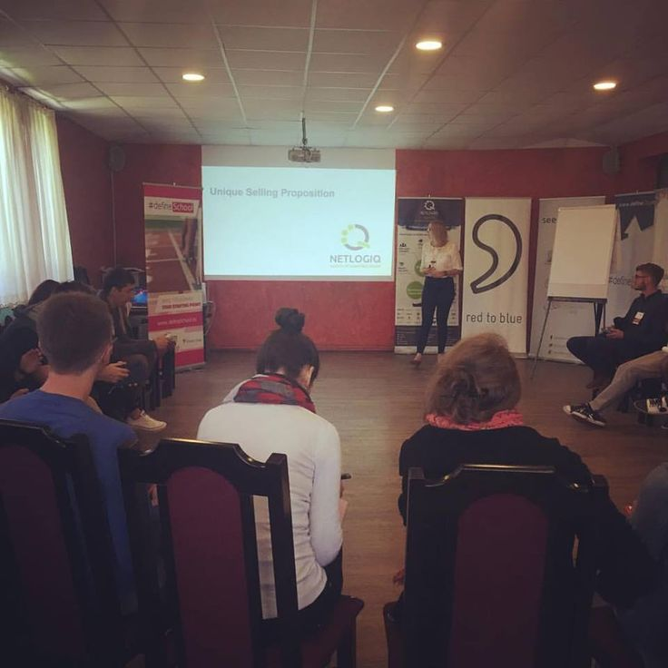 Sharing online marketing wisdom 4 start ups @defineSchool in Cluj Napoca. You can find our presentation online at: http://www.slideshare.net/NetlogiqMarketing/online-marketing-for-startups-52579291