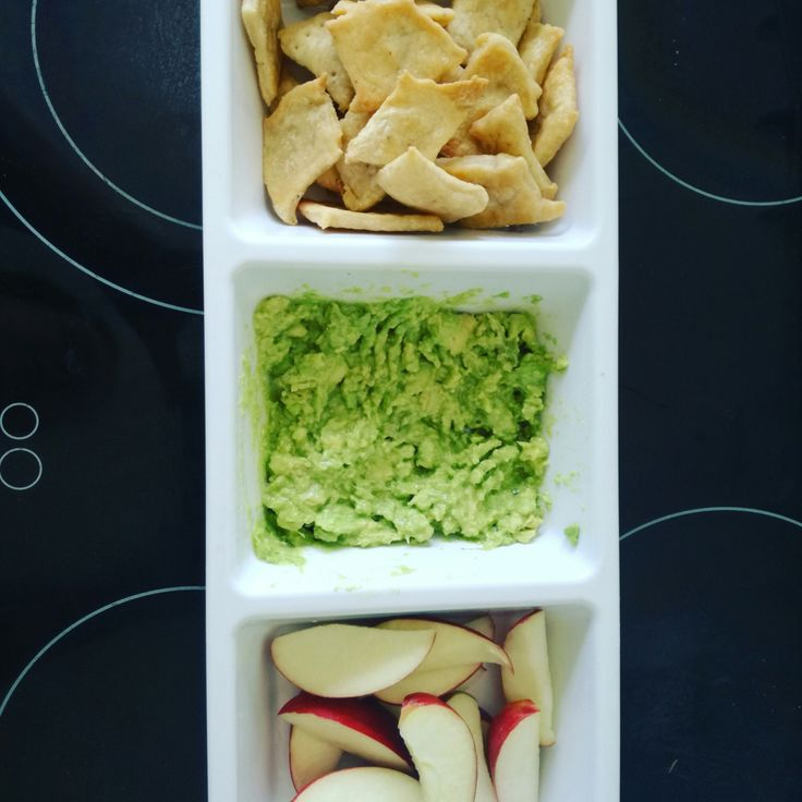 This is an easy dip to make that is great to eat outside in the garden paired with home made crackers. Ingredients 1 large avocado 1T olive oil 1T lemon juice Salt to taste Note: This is an easy re…