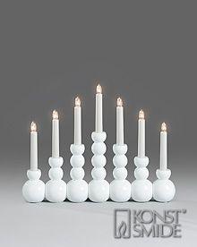 Om Konstsmide Elljusstake 7 ljus trä vit2501-215