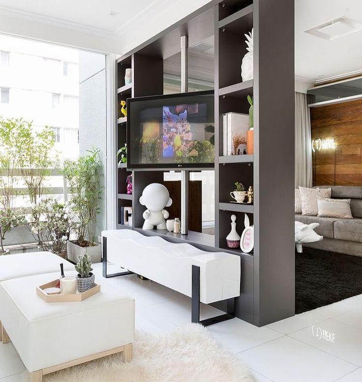 Morning! Quem curtiu o tubo giratória da tv?!  Super cool! {Apê Juliana Couto via Casa de Valentina} #tvroom #design #decoração #architecture