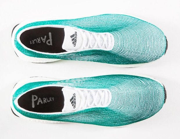 Adidas desenvolve tênis feito com lixo recolhido dos oceanos