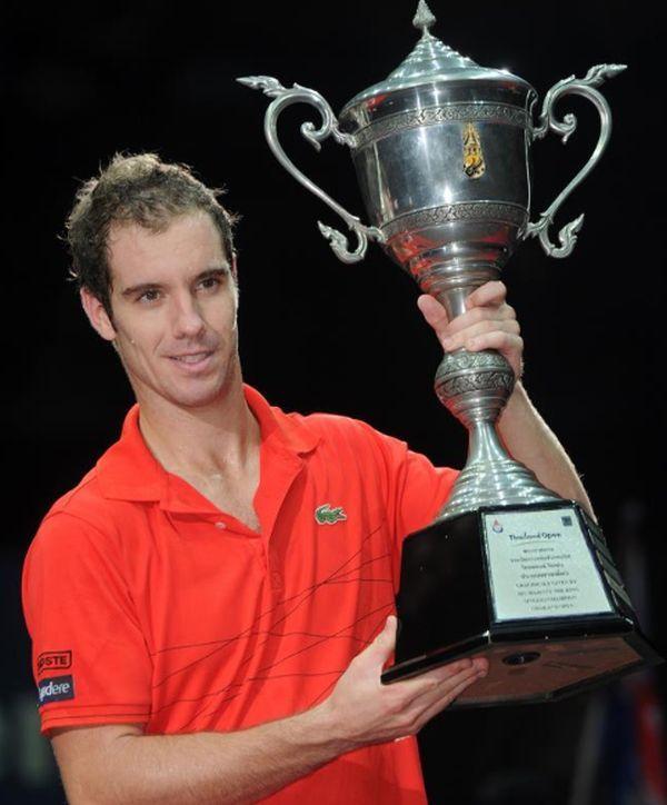 Richard Gasquet cu trofeul de la Bangkok