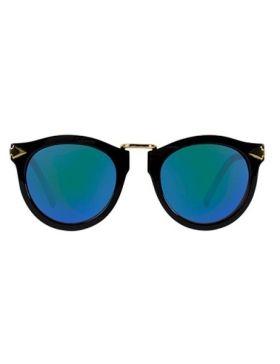 Gafas de sol negras lentes espejo. Black sunglasses with mirror lens.